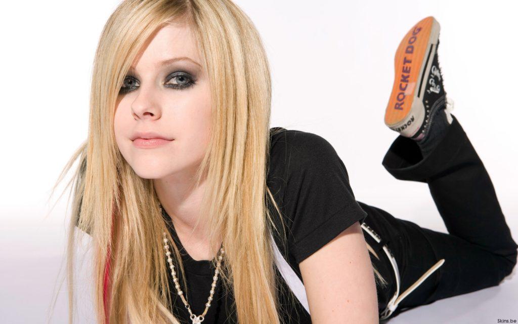 Avril Lavigne (Аврил Лавин): Биография певицы